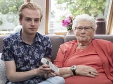 Levensgevaarlijk: Jannie (90) uit Westerhaar weken zonder telefoon en internet