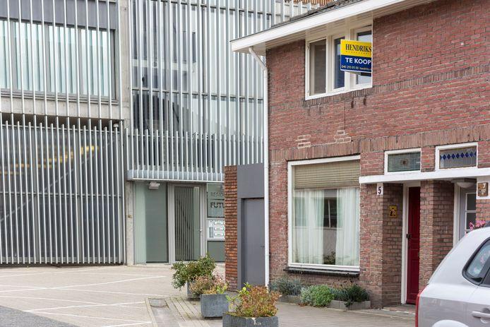 De prijzen van koopwoningen in Eindhoven rijzen de pan uit.