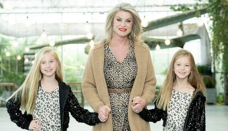 Joyce De Troch met haar dochter Adriana en Alexia.