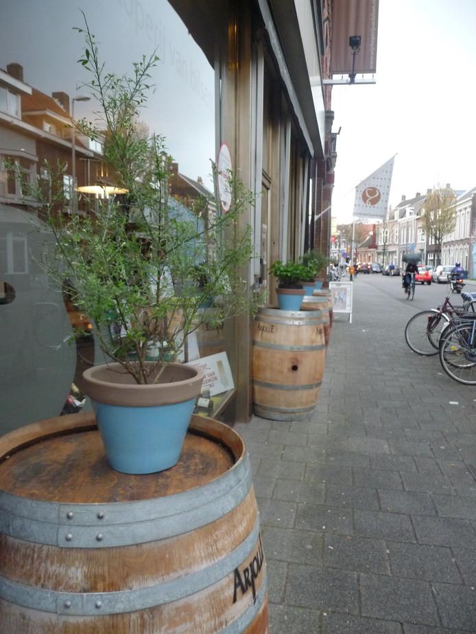 Precariobelasting: 288 euro betalen voor vier tonnetjes