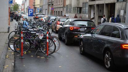 """België alsmaar drukker volgens TomTom Traffic Index maar Leuven boekt 3% vooruitgang: """"Ik merk het niet echt in de Tiensestraat"""", zegt Dirk Reekmans"""