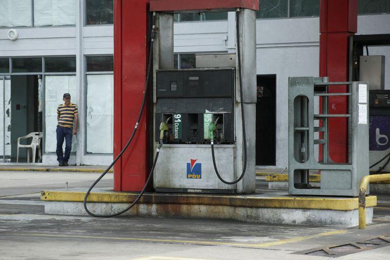 Gesloten benzinestation van staatsbedrijf PDVSA in Venezuela. Beeld REUTERS