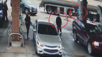 Carjacker wil auto van tankende vrouw stelen, maar dat is buiten haar en deze trucker gerekend