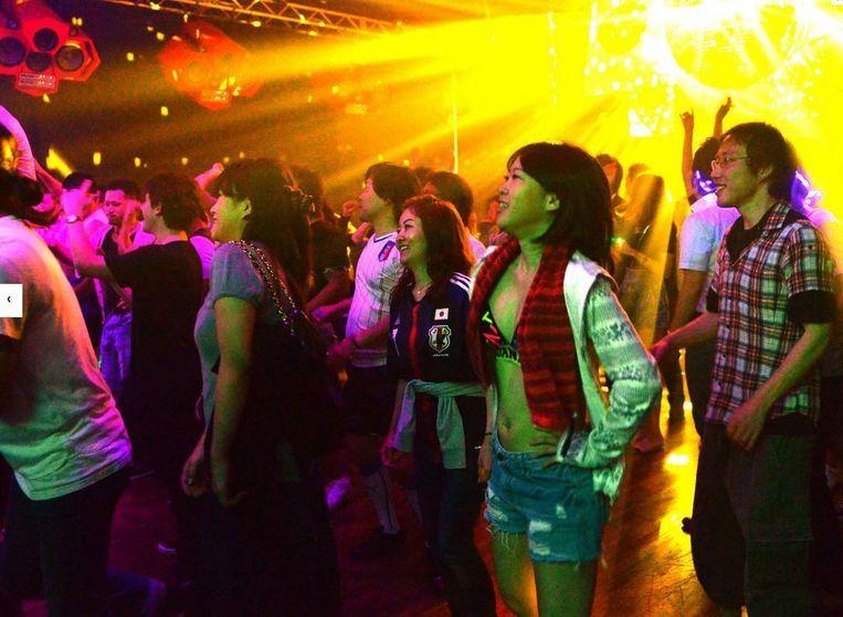 Dansen kan in Japan enkel in zaken die daarvoor een vergunning hebben. Vanaf volgend jaar hoeven clubbers zich nergens meer in te houden.