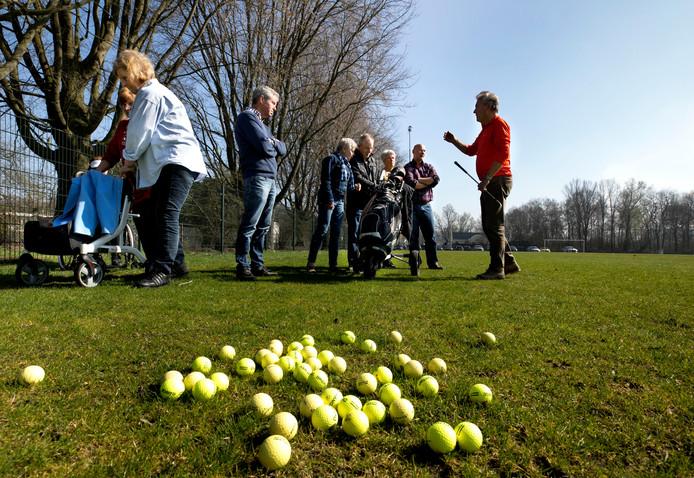 De golfclinic om geld op te halen voor de bestrijding van Parkinson