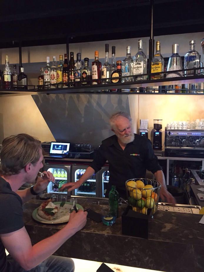 De bar van pizzeria Buon Cuore.