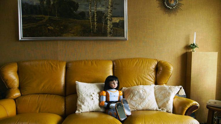 Zorgrobot Alice in 'Ik ben Alice' van Sander Burger. Kan de robot de toekomst van de thuiszorg veranderen? Beeld null
