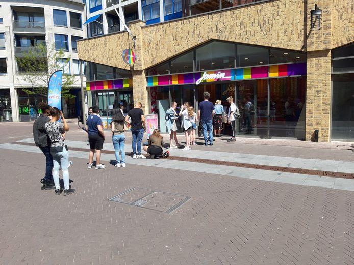 Drukte bij Jamin in de pas geopende winkel aan het Marktplein.
