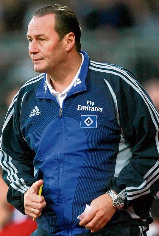 Huub Stevens als trainer van HSV.
