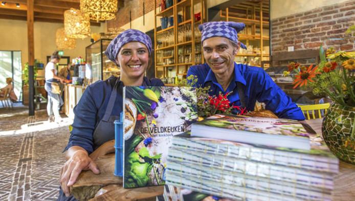 Femke de Winter en Rene van der Veer presenteren het 'Kookboek van het Jaar'