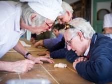 Bakkerijmuseum in Luyksgestel start met demonstratie voor blinden en slechtzienden