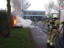 Volkswagen Kever brandt volledig af in Uden