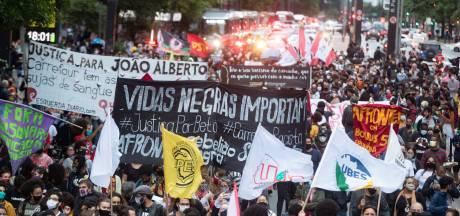 Brazilianen de straat op na dood zwarte man door blanke beveiligers
