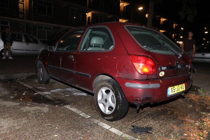 Een auto is in Arnhem in brand gestoken maar op tijd geblust.