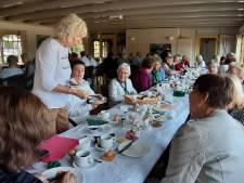 Tuindorpbad in Hengelo sluit het seizoen af met afscheidsontbijt