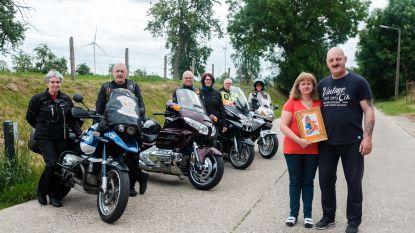 200 motorrijders herdenken met speciale rit verongelukte Alina (6)