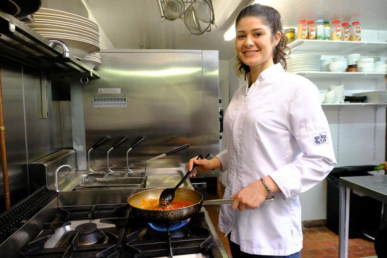 Valérie Ipekdjian in de keuken van restaurant Mosselino.