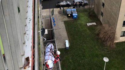 RED-team brandweer in actie: indrukwekkende evacuatie vanop het negende verdiep in Gent