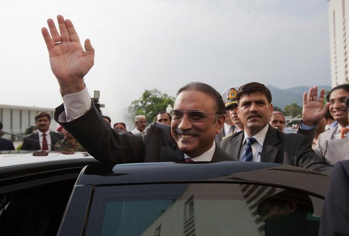 Bij de grootschalige witwasoperatie zou oud-president Zardari betrokken zijn, maar hij ontkent.