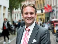 Burgemeester Verhoeve (SGP) benoemt Paarse Vrijdag tijdens Kaarsjesavond in speech