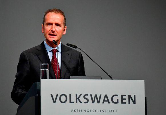 Het autoconcern Volkswagen gaat in Duitsland een schrootpremie aanbieden aan de bezitters van oude dieselwagens (euronorm 1 tot 4), die kan oplopen tot 10.000 euro per voertuig. Op de foto de CEO van Volkswagen, Herbert Diess.