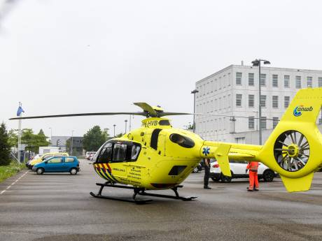Incident in gevangenis Alphen: traumahelikopter en ambulances aanwezig