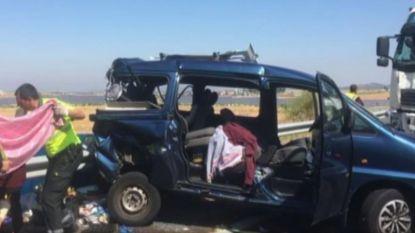 Marokkaanse vrouw uit Bilzen in coma, zes kinderen gewond bij zwaar verkeersongeval in Spanje