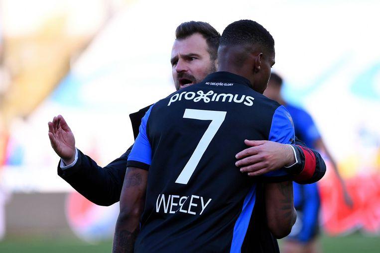 Leko in de armen van Wesley.