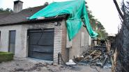 Brand die mobilhome en deel van huis in de as legt niet aangestoken