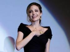 Angelina Jolie topless après sa double mastectomie?