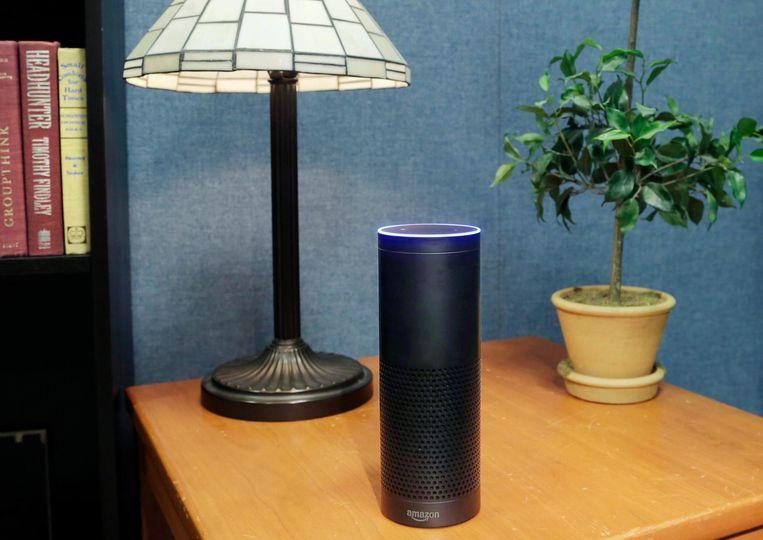De Amazon Echo, de slimme speaker die het online warenhuis op de markt heeft gebracht. Beeld null
