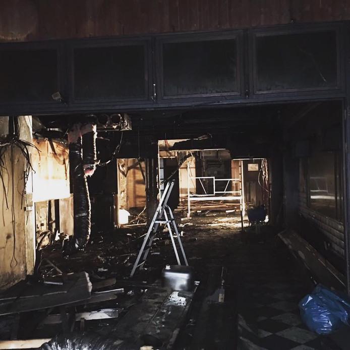 Schade na de brand in Feestcafé Lalalaa in de Ridderstraat