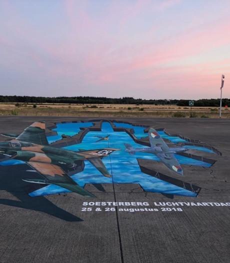 Gigantische 3D-schildering op vliegbasis Soesterberg