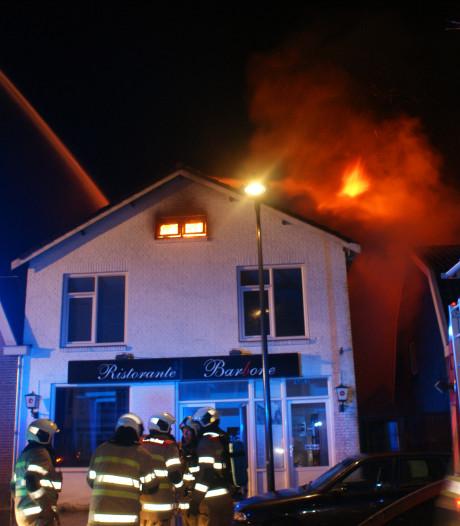 Grote brand in voormalige pizzeria Veenendaal onder controle