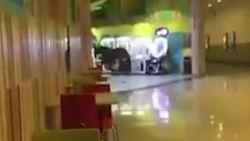 VIDEO. Paard wandelt supermarkt binnen