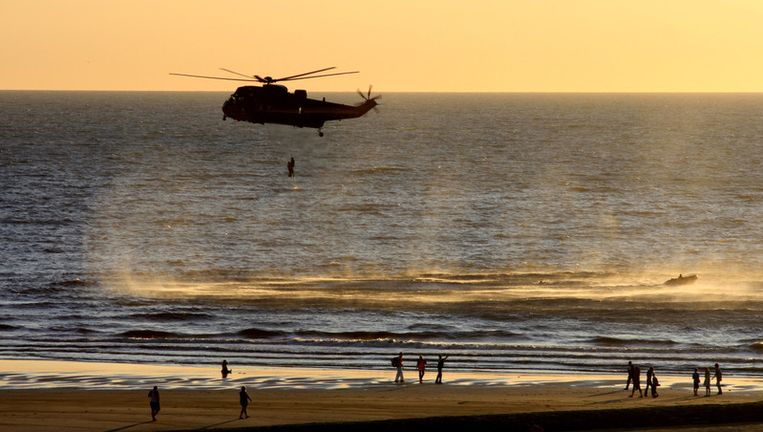 De reddingsactie van de Sea King in Oostende. Foto: Karen Dams.