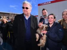 Le prince Laurent visite un hébergement pour sans-abris et leurs chiens à Uccle
