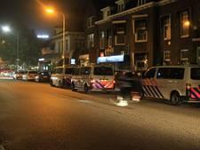 Politie voert charges uit tegen voetbalsupporters op station Zwolle