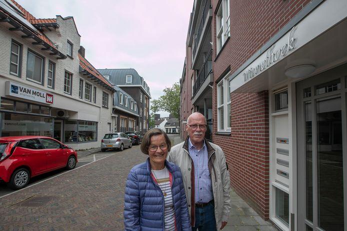 Joop en Els van Appeldorn-de Vocht bij De Wiemelhoek