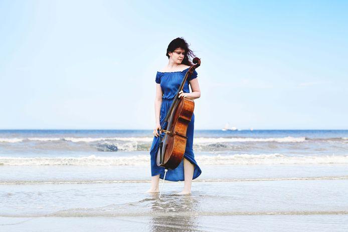 Maya Friedman, een van de jonge talenten van Festival Classique, moet nog een jaartje wachten om aan zee te kunnen optreden.