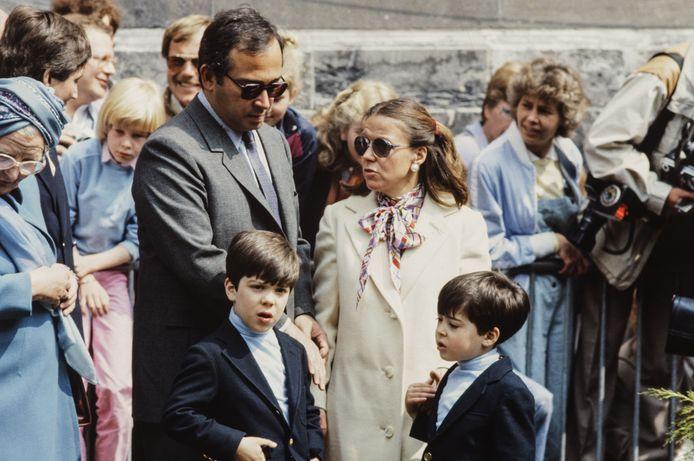 Prinses Christina en haar echtgenoot Jorge Guillermo en hun twee kinderen Bernardo en Nicolás op Koninginnedag in Den Haag in 1984.