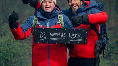 'Down the snow': Dieter Coppens en Kevin liften samen door Europa voor De Warmste Week
