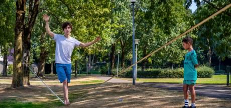 Kasper (30) wil op een dun touw zijn flat uitlopen: 'Het is 80 meter naar de overkant'
