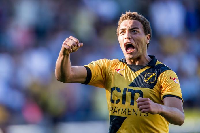 Ontlading bij Cyriel Dessers na zijn winnende treffer tegen NEC: 1-0.