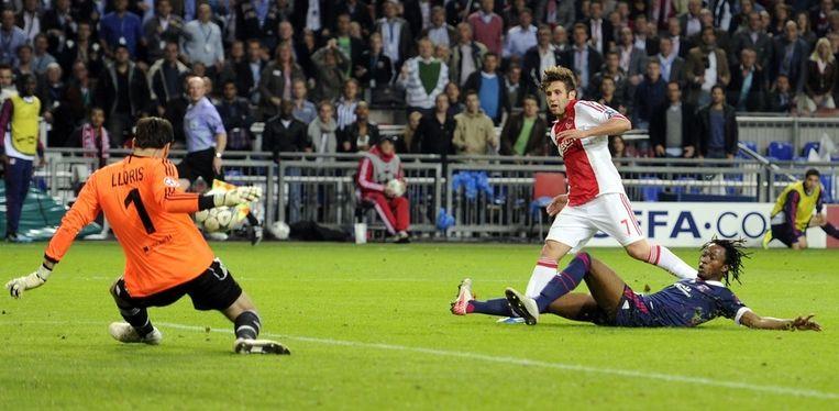 Miralem Sulejmani mist een kans tegen Olympique Lyon. Beeld anp