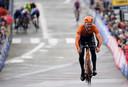 Van Schip wint de eerste etappe in de Ronde van België in de straten van Knokke.