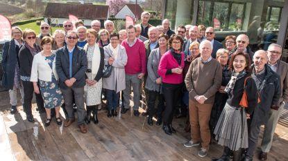 Oost-Vlaamse oud-gemeentesecretarissen op smakelijke bedrijfsbezoeken in Gavere