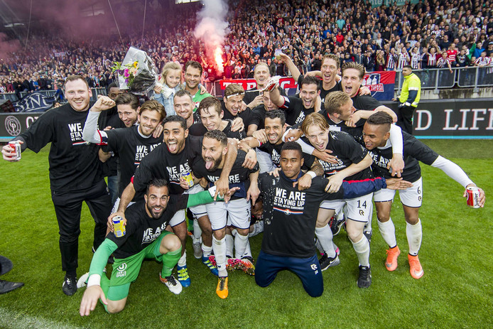 Willem II - NAC: 3-1. Willem II blijft in de eredivisie.
