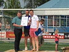 7500 euro voor stichting Matchis dankzij Hugo Venebrugge-toernooi in Den Ham