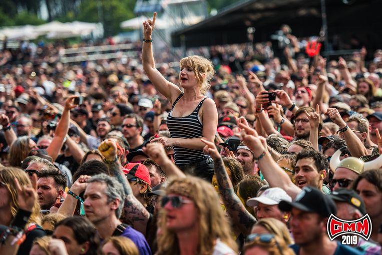 Met feestelijk vuurwerk sloot Kiss de 24ste editie van de Graspop Metal Meeting af in Dessel, al was Sabaton voor veel bezoekers de échte headliner. De laatste dag van de Metal Meeting was bijzonder warm, waardoor de 50.000 festivalgangers massaal verfrissing opzochten.